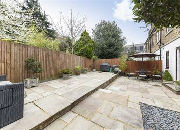 Thumbnail 3 bed property for sale in Parkland Gardens, London