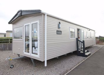3 bed mobile/park home for sale in Hoburne Naish, Barton On Sea BH25