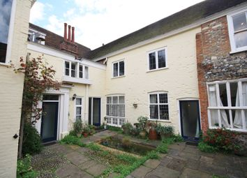 2 bed flat to rent in The Close, Norwich NR1