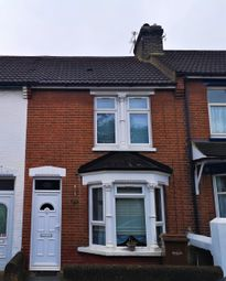 3 bed terraced house to rent in Cavendish Avenue, Gillingham ME7