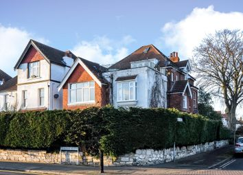 Thumbnail 3 bedroom flat to rent in Avenue South, Surbiton