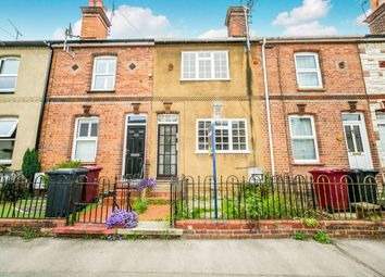 3 bed terraced house to rent in Elgar Road, Reading, Berkshire RG2