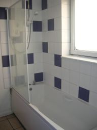 Thumbnail 1 bedroom flat to rent in Millbrook Road East, Freemantle