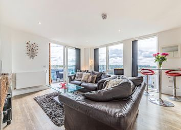 Jacks Farm Way, London E4. 2 bed flat