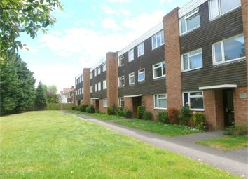 Thumbnail 2 bed flat to rent in Hill Rise, Langley, Berkshire