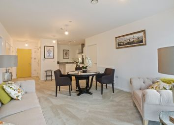 Thumbnail 2 bedroom flat for sale in Horizon Building, Ilford
