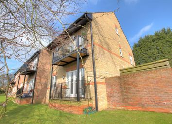 Thumbnail 2 bed flat to rent in Heron Place, Bank Mill, Berkhamsted