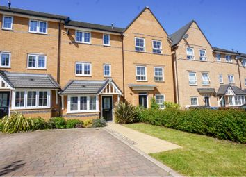 4 bed town house for sale in Gallows Way, Hertford SG13