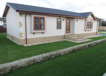 Thumbnail 2 bed mobile/park home for sale in Duvall Park (Ref 5763), Upper Heyford, Bicester, Oxfordshire