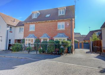 Thumbnail 5 bed detached house for sale in Hallett Road, Flitch Green, Dunmow