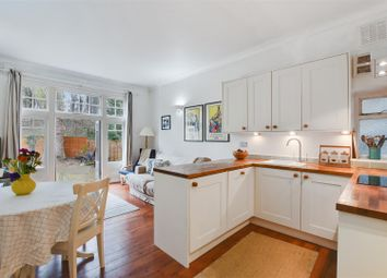 Thumbnail 2 bed flat for sale in Milton Park, Highgate