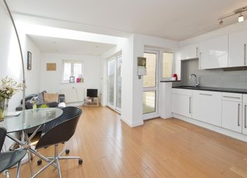 3 bed terraced house to rent in Derinton Road, London SW17