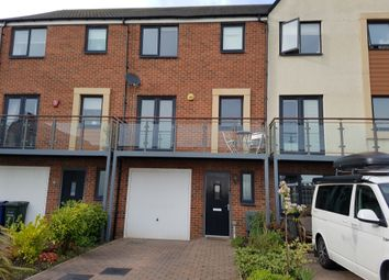 Thumbnail 3 bedroom town house to rent in Prendwick Avenue, Gosforth