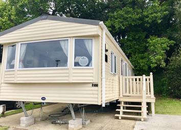 2 bed mobile/park home for sale in Hoburne Park, Hoburne Ln, Christchurch BH23