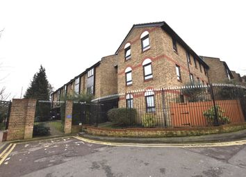 Thumbnail 3 bedroom flat to rent in Bakers Hill, Clapton