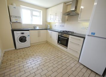 Thumbnail 3 bedroom flat to rent in Whitefields Road, Cheshunt, Waltham Cross