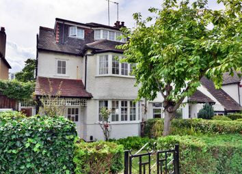 Thumbnail 4 bed flat to rent in Llanvanor Road, London NW2,