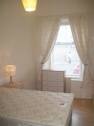 Thumbnail 2 bedroom flat to rent in Gl Constitution Street, Dundee