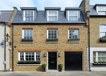 Thumbnail 4 bed property to rent in Clabon Mews, Knightsbridge