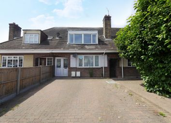 3 bed maisonette to rent in Corwell Lane, Hillingdon UB8