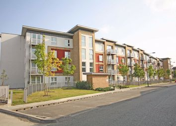 2 bed flat for sale in Langhorn Drive, Twickenham TW2