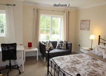 Room to rent in Room1, 12 Pickering, Guildford GU2