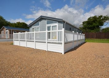 Thumbnail 2 bed mobile/park home for sale in The Hollies, London Road, Kessinglnad