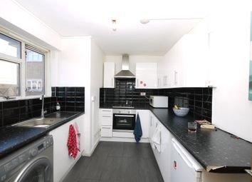 Sidney Street, London E1. 3 bed flat