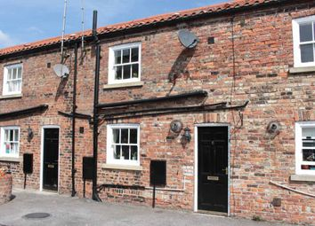 Thumbnail 2 bedroom cottage for sale in Bishopsgate Court, Goole, North Humberside