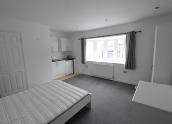Thumbnail Room to rent in Hatfield Road, St Albans