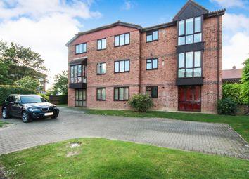 Thumbnail 2 bed flat to rent in Tanyard Close, Horsham