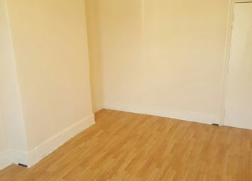 Thumbnail Room to rent in Green Lanes, Ilford, London