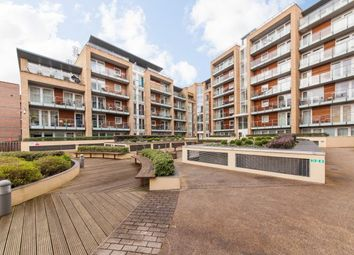 Thumbnail 1 bed flat to rent in Viridian Apartments, Battersea Park Road, Battersea