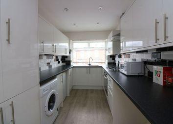 1 bed maisonette to rent in Collingsbourne, High Street, Addlestone KT15