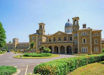 3 bed flat to rent in Princess Park Manor, Friern Barnet N11