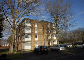 1 bed flat to rent in Spire Road, Laindon, Basildon SS15