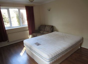 Thumbnail Room to rent in Oaktree Crescent, Bradley Stoke, Bristol