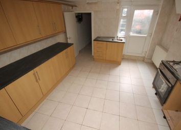 Thumbnail 5 bed terraced house to rent in Raven Road, Leeds