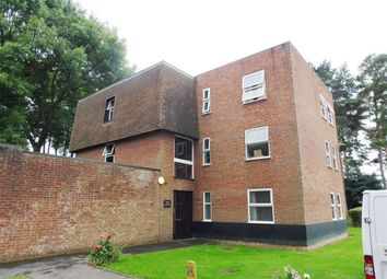 Thumbnail 1 bed flat to rent in Windsor Close, Bovingdon, Hemel Hempstead