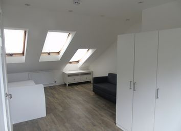 Thumbnail Studio to rent in Oval Road, Addiscombe, Croydon
