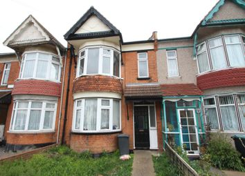 2 bed flat to rent in Lovelace Gardens, Southend-On-Sea SS2