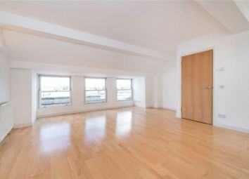 2 bed maisonette to rent in Grafton Yard, Kentish Town, London NW5