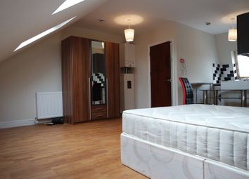 Thumbnail Property to rent in Lavender Hill, London