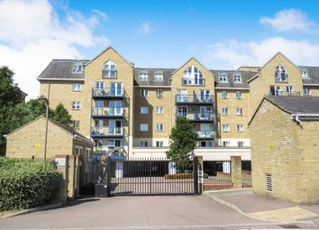 Thumbnail 2 bedroom flat for sale in Taverners Way, Hoddesdon
