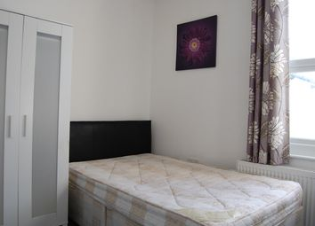 4 bed terraced house to rent in Victoria Street, Gillingham ME7