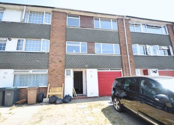 Thumbnail 3 bedroom town house for sale in Brendon Avenue, Luton