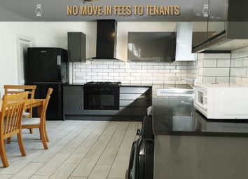 3 bed flat to rent in East India Dock Road, London E14