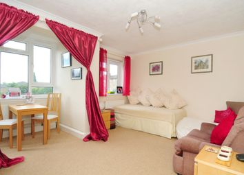 1 bed flat to rent in Chobham Gardens, Southfields SW19
