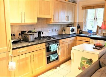 Thumbnail 2 bed flat to rent in Lyham Road, Clapham