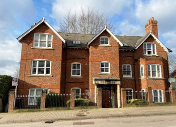 Thumbnail Flat for sale in Alma Road, St Albans